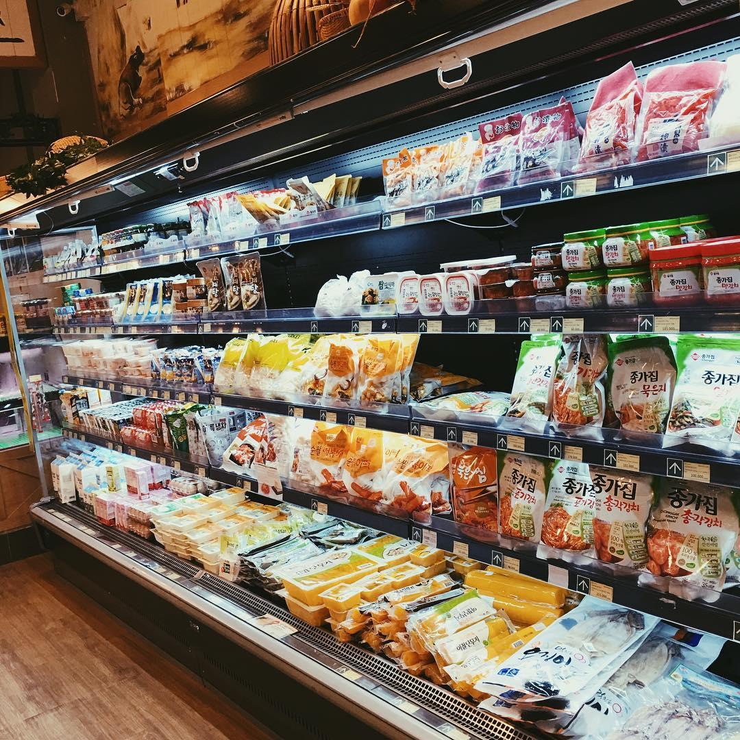 """Chìm đắm trong 3 siêu thị chuyên đồ Hàn Quốc """"bào mòn"""" ví tiền ..."""