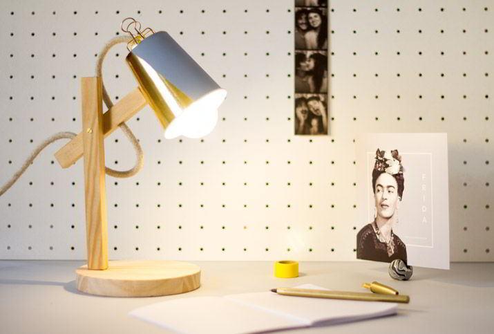 ý tưởng DIY đèn bàn làm việc