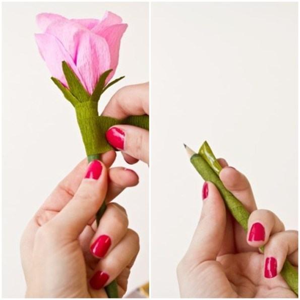 Làm hoa từ giấy nhún trang trí bút chì