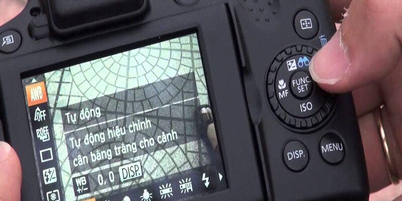 Cần chuẩn bị máy ảnh chụp hình sản phẩm