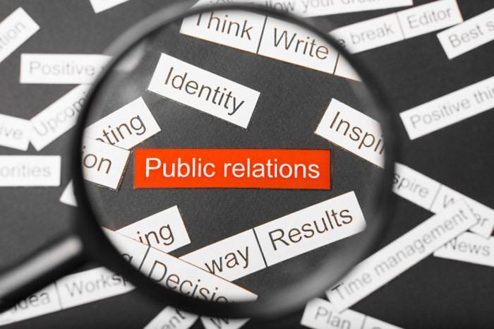 Quan hệ công chúng nhằm tạo dựng và duy trì sự uy tín cũng như tình cảm giữa doanh nghiệp và công chúng