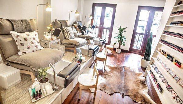 Cơ sở vật chất để mở tiệm nail tại nhà rơi vào khoảng 30- 50 triệu tùy quy mô