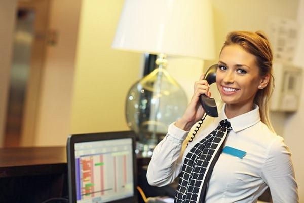 Kịch bản mẫu quy trình nhận đặt phòng khách sạn qua điện thoại cho lễ tân