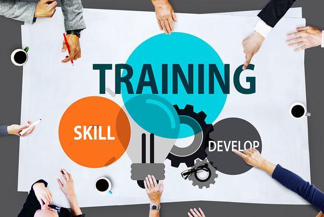 Các chương trìnhhuấn luyệnnâng cao kiến thức, kỹ năngcho người làm côngvừaxây dựngđội ngũnhân sự giỏi vừa là động lực đểnhân viêngắn bó, cống hiến chođơn vị– Ảnh: Internet