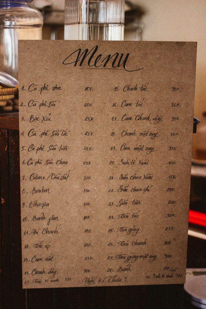 menu đồ uống trong quán cà phê