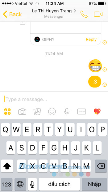 Giao diện chat Facebook Messenger