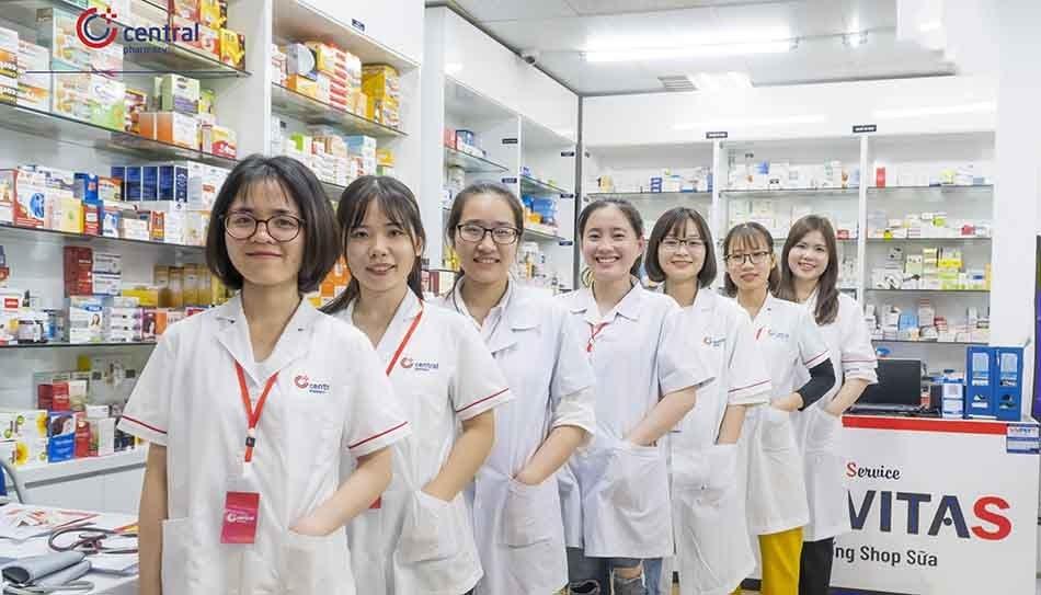 Đội ngũ dược sĩ tư vấn nhà thuốc nhiệt tình, tận tâm